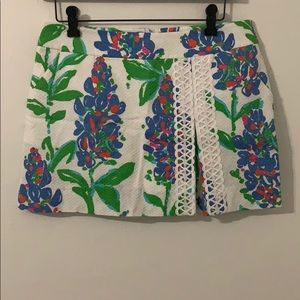 Lilly Pulitzer white floral mini skirt size 0 in